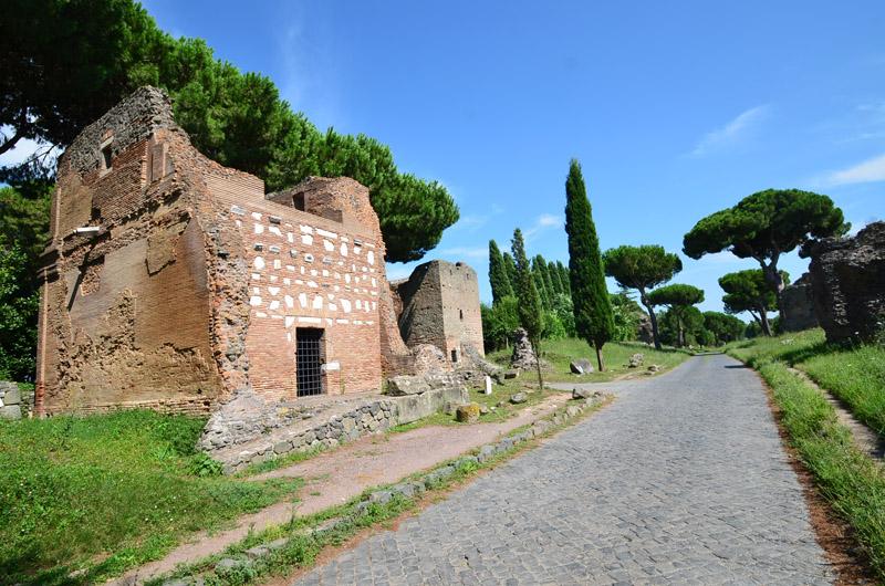 La via appia antica italie decouverte for Cioccari arredamenti via appia