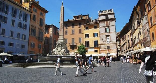 Vers la Piazza della Rotonda