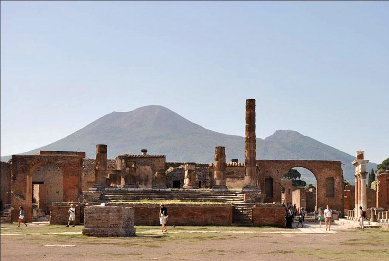 pompei_forum