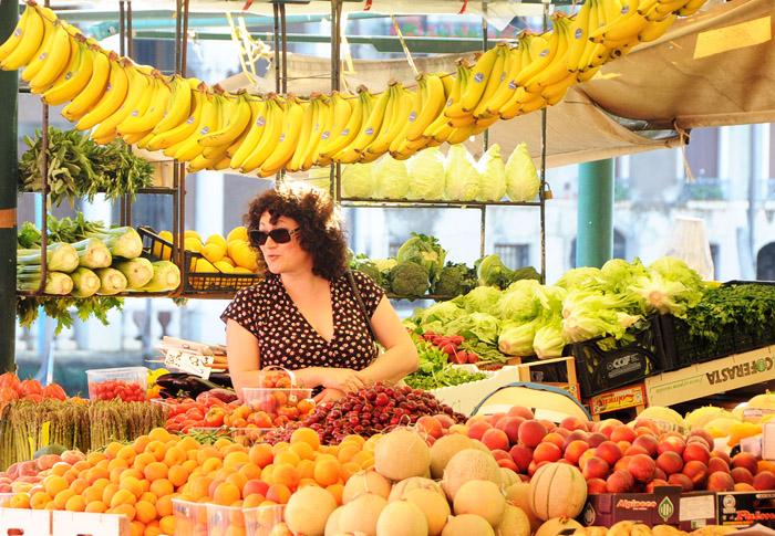 rialto_fruits