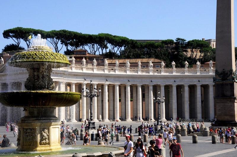 Vatican La Place Saint Pierre Italie Decouverte