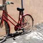 Rome, l'automobile et le vélo…