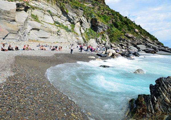 La plage de Vernazza