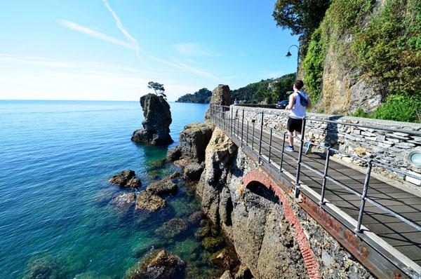 Le long de la mer vers Portofino