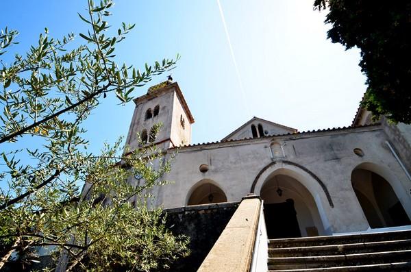 L'Antico Borgo di Castello et son église Santa Maria dell'Asunta