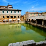 Bagno Vignoni, un antique village Thermal en Val d'Orcia