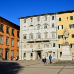 Piazza del Giglio et la statue de Garibaldi