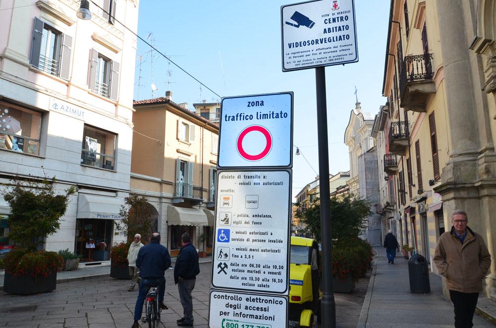 circulation automobile attention aux ztl les zones trafic limit italie decouverte. Black Bedroom Furniture Sets. Home Design Ideas
