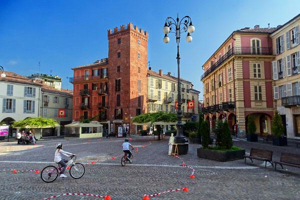 Piazza Statuto ou Piazza d'Erbe