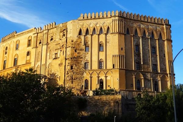Le Palais des Normands (12e siècle)