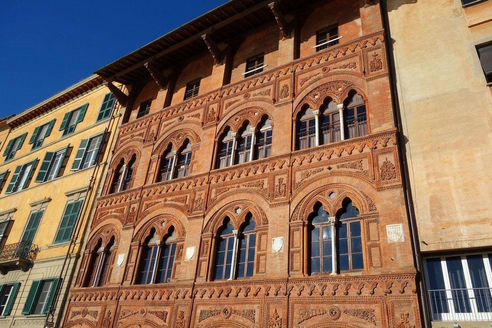Le palais Agostini Venerosi della Seta